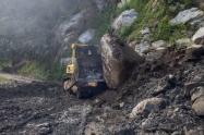 Se atendiendo la vía El Pando- San José de la Hermosas en el municipio de Chaparral y la vía Rovira - Playarrica