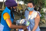 El gobierno departamental, continúa la entrega de kits nutricionales y de aseo a poblaciones vulnerables de Ibagué