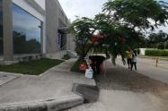 No han abierto la Secretaría de Movilidad y ya hay presencia de vendedores informales