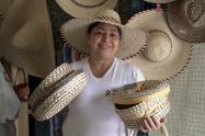 Las artesanas de Asopalguamo explicaron las diversas técnicas para la fabricación del Sombrero Típico Tolimense