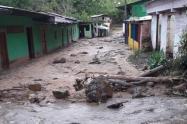 Crecimiento de una quebrada en Rovira y deslizamientos en Cajamarca