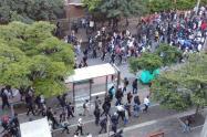 300 personas participan en las marchas