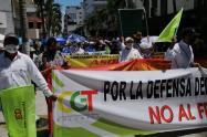Centrales obreras no descartan paro nacional indefinido