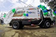 Carro recolector de basuras en Planadas