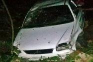 Vehículo se salió de la vía y rodó 150 metros dejando a tres lesionados en la vía a Payandé