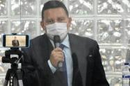 Julián Gómez secretario de Educación