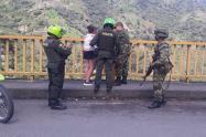 Su esposo la dejó por otra y se iba a lanzar del Puente de Cajamarca