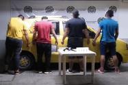 Capturaron cuatro sujetos armados en un taxi sobre la vía Carmen de Apicalá – Melgar