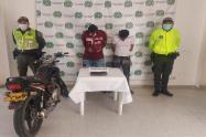 Andaban de viaje en moto con 500 dosis de marihuana por Venadillo