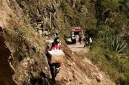 Vía  Balsillas entre San Vicente de Caguán y Neiva