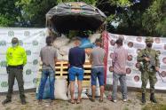 Ejército y Policía recuperaron camión con su carga en Chaparral