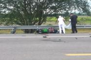 Falleció motociclista tras chocar contra camión de D1 en la vía Espinal – Guamo