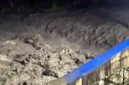 Agua turbia del rio Combeima