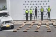 En un Renault 4 movilizaba 90 kilogramos de marihuana por la variante de Ibagué