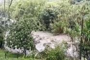 Ordenan evacuar a familias que residan en zonas ribereñas del Cañón del Combeima