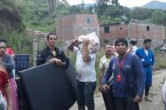 alcaldia-entrega-ayudas-humanitarias-a-familias-damnificadas-por-lluvias.jpg