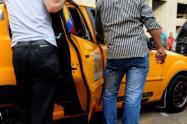 taxista_se_lanzo_del_carro_para_huir_de_atracadores.jpg