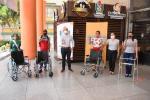 Entrega de sillas de ruedas en el Tolima