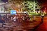 Para promover espacios de sana convivencia, las autoridades llegaron con 'Cine al Parque' al corregimiento de Santiago Pérez, municipio de Ataco