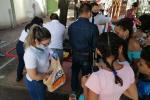 Varias familias  bloqueadas dentro de la terminal de transporte