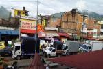 Cargue y descargue de la plaza La 21 en Ibagúé