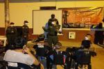 Policía llegó con 'Cine al Parque' para prevenir el reclutamiento en Chaparral