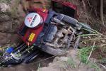 Dos lesionados dejó la caída del campero en un abismo cerca de San Bernardo