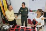 Metib-entregó-a-la-Alcaldía-las-67-tablet-robadas-de-una-escuela-rural-de-Ibagué.jpg
